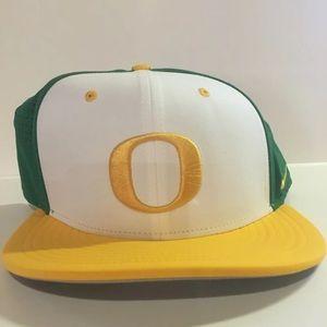 NCAA Oregon Ducks Nike Hat NWT